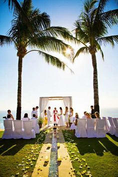 A gorgeous beach wedding. Photo by Photo Factory Bali