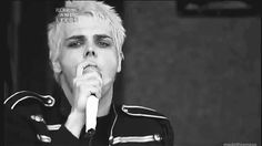 21 Times Gerard Way Looked Ridiculously Good