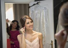NEREA | Recogido elegante de novia  y maquillaje de boda Eva Pellejero | Vestido Boutique Carrion | Preparación en Gran Hotel | Finca Soto de Bruil | Fotografía Javier Rioja