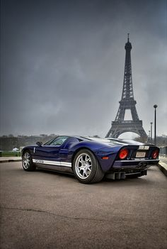 Ford GT - check the pipes on that honey!