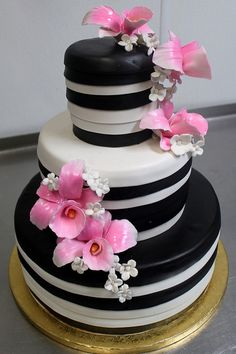 black stripes and pink flowers wedding cake