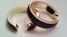 SkinnyMe Bangles - This is a GREAT idea. Weights you can wear everyday to tone your arms up, that blend with your fashions.