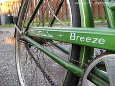 vintage green schwinn bike- This would be my perfect bicycle.