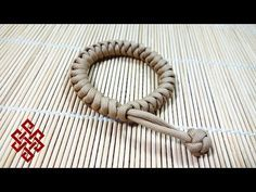 Mad Max Snake Knot Paracord Bracelet Tutorial - YouTube