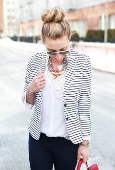 64 Gorgeous Informal Blazer Ideas for Daily Wear Style Style Striped Blazer Outfit, Blazer Outfits, Blazer Jeans, Leather Blazer, Fashion Office, Work Fashion, Fashion Pics, Emo Fashion, Style Fashion