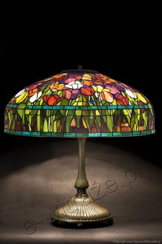Louis Comfort Tiffany Studios New York Tulips with double blue band, table lamp, handcrafted by Wieniawa-Piasecki Workshop www.e-witraze.pl