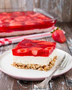 Crunchy, creamy, sweet and salty all come together in this fabulous strawberry pretzel salad. Don't let the name fool you, this recipe is a dessert! Strawberry Pretzel Jello, Jello Pretzel Salad, Strawberry Desserts, Jello Salads, Fruit Salad, Pretzel Desserts, Köstliche Desserts, Delicious Desserts, Yummy Food