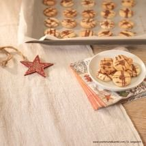 Kekse selber backen - feine Rezepte für Weihnachtskekse - alle Einträge | Kochen… Bread, Recipes, Food, Chocolate, Easy Meals, Bakken, Brot, Essen, Eten