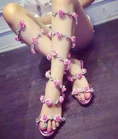 Cristal Sexy flores sandálias gladiador das mulheres serpentina de salto alto sapatos de mulher plana sapatos romanos mulheres sandálias frete grátis