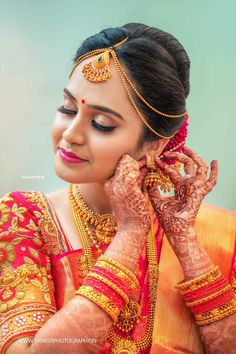 How to Select Silk Saree for Wedding? 21 Things to Know - How to Select Silk Saree for Wedding? 21 Things to Know - Indian Bride Poses, Indian Wedding Poses, Bridal Hairstyle Indian Wedding, Indian Bridal Photos, South Indian Bride Hairstyle, Indian Wedding Couple Photography, Indian Bridal Hairstyles, Indian Bridal Makeup, Mehendi Photography