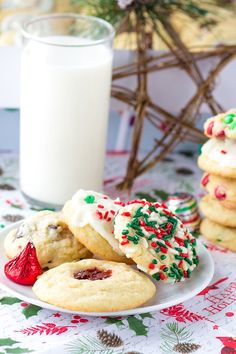 Five Christmas Cookies One Dough - One basic cookie dough and so many different add ins to jazz them up. This is the perfect way to fill up a holiday gift box for friends, coworkers, and family! Holiday Cookie Recipes, Easy Cookie Recipes, Holiday Baking, Baking Recipes, Dessert Recipes, Oven Recipes, Baking Ideas, Easy Desserts, Xmas Food