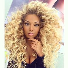 HAIRSPIRATION| Loving @Savana.Blues big blonde wand curls➰➰➰ These big curls are giving life right now SLAYED #VoiceOfHair