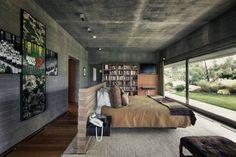 Earth tone bed room