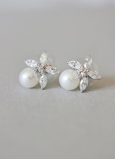 Vintage Inspired, 20s, The Great Gatsby, Art Deco, Diamante, Flower, Pearl, Earrings