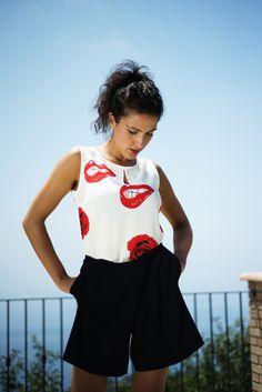 #DIESSE #WomanCollection #SpringSummer2016 # Dresses multicolor overlap #Sleeveless short jumpsuit, round neck, lips and roses print #model #StellaScorzo #photographer #MariannaDepasquale #designer #DiegoSalerno http://www.diessefashion.it/
