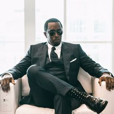 The constantly name-changing music mogul, who was born Sean John Combs, announced yesterday that he has decided to once again tweak his moni. Runway Fashion, Fashion Models, Fashion Show, Mens Fashion, Fashion Design, Editorial Photography, Fashion Photography, Photography Magazine, Puff Daddy