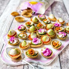 Kaurasipsit kasvistäytteillä | Reseptit | Kinuskikissa Party Snacks, Mini Cupcakes, Finger Foods, Brunch, Vegetarian, Homemade, Baking, Eat, Healthy
