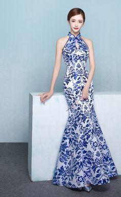 www.urclothingstyle.com #cheongsam #旗袍 #dress #longdress #whiteandblue #bluedress #whitedress #gown #specialgown #party #girldress