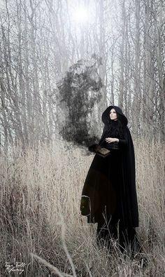MAGICIAN P: Terje Talts Soeng, M: Kairi Katmann, Model: Elina