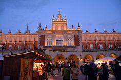 Viajar a Cracovia: todo lo que debes saber sobre la ciudad polaca http://blgs.co/70sB8-