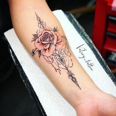 55+ Atemberaubende Ideen für florale Tattoos – #Atemberaubende #Blumen #Ideen #Tattoos … #Tattoos  floral tattoo designs - Tattoos And Body Art #Art #Ideen #TattoosAndBodyArt Wrist Tattoos, Body Art Tattoos, Girl Tattoos, Small Tattoos, Sleeve Tattoos, Tatoos, Thigh Tattoos, Tattoo Drawings, Forearm Tattoos For Women
