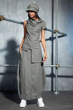 How to rock the casual chic look Look Fashion, Urban Fashion, Fashion Outfits, Womens Fashion, Fancy Dress Design, Casual Dresses, Casual Outfits, Iranian Women Fashion, Athleisure Fashion