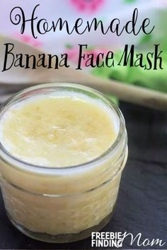 Would you like radiant skin? You are just a few minutes away from achieving it if you give this homemade banana face mask a try. Simply combine three ingredients (coconut oil, egg white and banana) and your lifeless skin will be rejuvenated into the beaut Homemade Face Masks, Homemade Skin Care, Diy Face Mask, Diy Skin Care, Skin Care Tips, Facemask Homemade, Face Scrub Homemade, Homemade Facials, Banana Face Mask