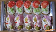 Chlebíčky III. Fresh Rolls, Sushi, Food And Drink, Appetizers, Yummy Food, Impreza, Baking, Ethnic Recipes, Recipes