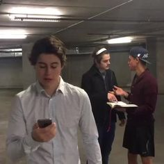 """Watch Nash Grier's Vine """"Siri always messes up my directions Cameron Dallas, Kenny Holland, Aaron Carpenter Nash Grier, Hayes Grier, Kenny Holland, Matt Espinosa, Aaron Carpenter, Take Me To Church, Sam And Colby, Mrs Carter, Getting Back Together"""