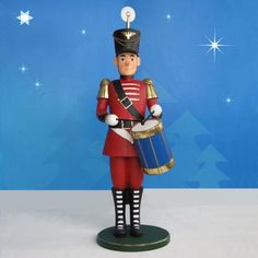 "Toy Soldier with Drum stands 5 foot scale (total height 69.7"").  It is made of durable, chip resistant fiberglass construction. Suitable for commercial or residential use indoors or outdoors.   Dimensions 60"" scale Weight 46 lbs. Base is 16"" Diameter Material Fiberglass construction Indoor or outdoor use (see Product Care for outdoor use) Shipping weight 100 lbs Shipping Dimensions: L35"" W35"" H72"" Ocean shipping available"