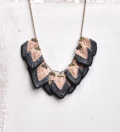 PETALI - Luxury knitted petal necklace in merino, lambswool and silk