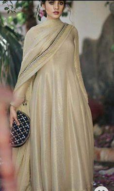 Simple Pakistani Dresses, Pakistani Bridal Dresses, Pakistani Dress Design, Pakistani Outfits, Fancy Dress Design, Stylish Dress Designs, Designs For Dresses, Stylish Dresses, Indian Bridal Outfits