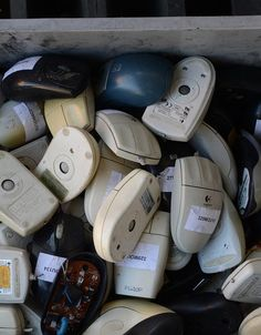 4 Ways to Recycle Your Old Gadgets