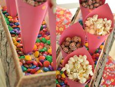 Ideias DIY: sugestão de cones de papel para transformar a festa junina mais colorida e criativa. foto: reprodução
