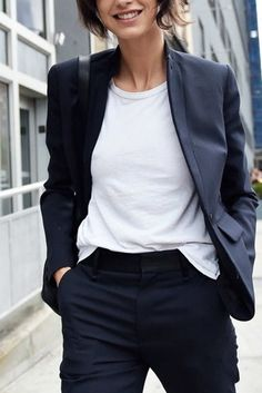10 New Wardrobe Essentials Every Woman Should Own - World Fashion Week Womens Fashion For Work, Work Fashion, New Fashion, Fashion Outfits, Fast Fashion, Lolita Fashion, Cowgirl Style Outfits, Casual Outfits, Emo Outfits