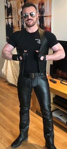 Mens Leather Pants, Tight Leather Pants, Biker Leather, Leather Gloves, Black Leather, Sexy Biker Men, Sexy Men, Latex Men, Good Looking Men