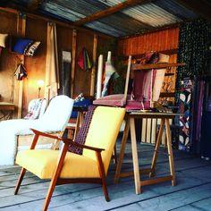 Plus que deux jours pour profiter de la Brocante des Quinconces et venir chiner de beaux fauteuils et tissus!! Je vous attends au stand 184 allée Montesquieu!! #brocante #quinconces #bordeaux #chine #fauteuil #vintage #tapissierdecorateur #upholstery #upholstered #artisan #handmade by limpromptue