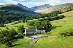 OLD CROFFTAU COTTAGE Brecon Beacons, Wales Sleeps 8