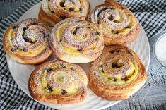 Food Cakes, Cinnamon Rolls, Bagel, Doughnut, Food To Make, Cake Recipes, Deserts, Muffin, Goodies