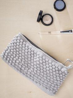 Virkattu pikkulaukku Novita Kaste | Novita knits