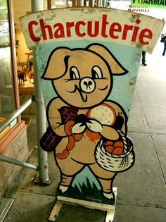 http://blogs.browardpalmbeach.com/cleanplatecharlie/pig%20sign.jpg
