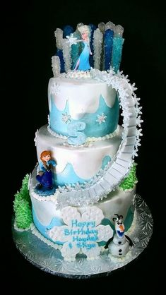 A Frozen themed birthday cake showcasing Elsa's power