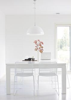 lisbet e. | Hay Hee dining chair, Valanti Ruutu dining table, Frandsen Half Moon pendant light, Amfora ceramics