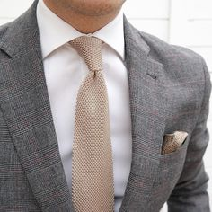 Close-up! Tie from @demore_official #menswear #menwithclass #menstyle #mensfashion #mensfashionpost #mnswr #mnswrmagazine #menslook #mensfashionreview #ootd #class #elegance #dandy #gentleman #sartorial #sprezzatura #dapper #simplydapper #dapperlydone #bespoke #fashion #gentsfashion #instafashion #suit #dresshim #stylishmen #luxury #style #pocketsquare