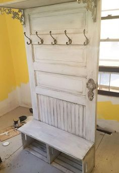 DIY Home Improvement On A Budget - Old Door Upcycle - Easy and Cheap Do It Yours.DIY Home Improvement On A Budget - Old Door Upcycle - Easy and Cheap Do It Yourself Tutorials for Updating and Renovating Your House - Home Decor Tips. Cheap Home Decor, Home Improvement Projects, Home Projects, Diy Home Improvement, Entryway Coat Rack, Home Improvement Center, Diy Furniture, Home Diy, Home Remodeling