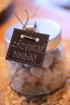Domácí zázvorové bonbóny Healthy Deserts, Healthy Recipes, Czech Recipes, Healing Herbs, Diy Food, Homemade Gifts, Stocking Stuffers, Fudge, Food And Drink