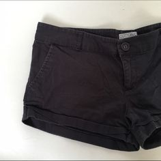 Navy Blue Cotton On Size 6 Shorts Super soft material perfect for the summer with two pockets. Cotton On Shorts