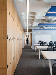 390c0e3bfb9 Os azulejos e a cor valeram um prémio aos novos escritórios do OLX em Lisboa