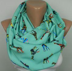 Esta bufanda infinito colorido.