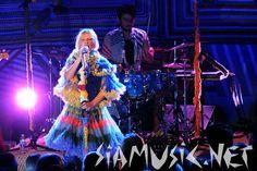 Sia Furler, has the most beautiful voice! http://siamusic.net